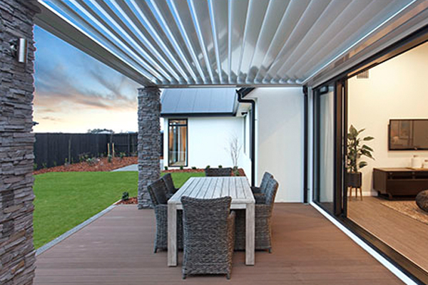 blog thumb img - How to Seamlessly Integrate your Home's Indoor/Outdoor Living Areas