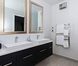 hallmark homes chc nevis bathroom main 2 - What are the characteristics of great bathroom design?